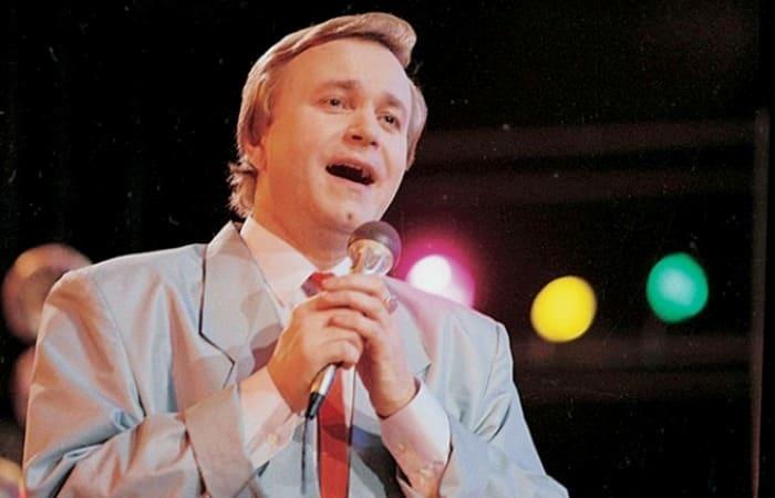 Известный советский эстрадный певец, композитор и музыкант Евгений Мартынов | Фото: 24smi.org