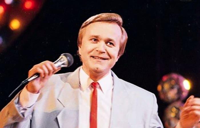 Известный советский эстрадный певец, композитор и музыкант Евгений Мартынов | Фото: ruspekh.ru