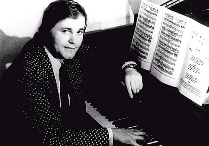 Известный советский эстрадный певец, композитор и музыкант Евгений Мартынов | Фото: chtoby-pomnili.net