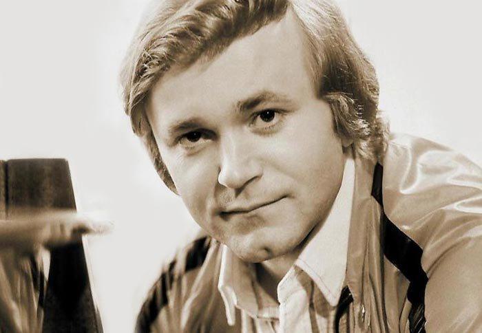 Известный советский эстрадный певец, композитор и музыкант Евгений Мартынов | Фото: stuki-druki.com