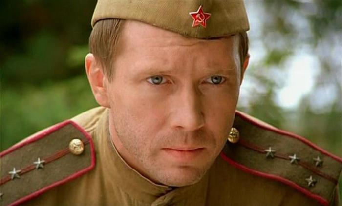 Кадр из фильма *В августе 44-го*, 2001 | Фото: kino-teatr.ru