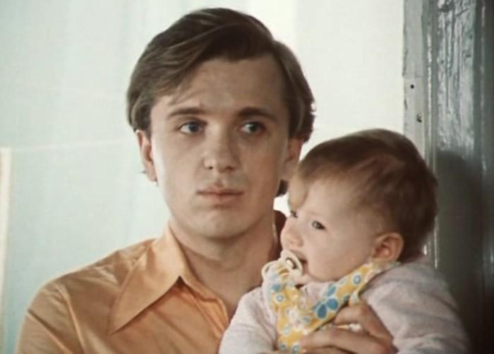 Евгений Стеблов в фильме *По семейным обстоятельствам*, 1977 | Фото: kino-teatr.ru