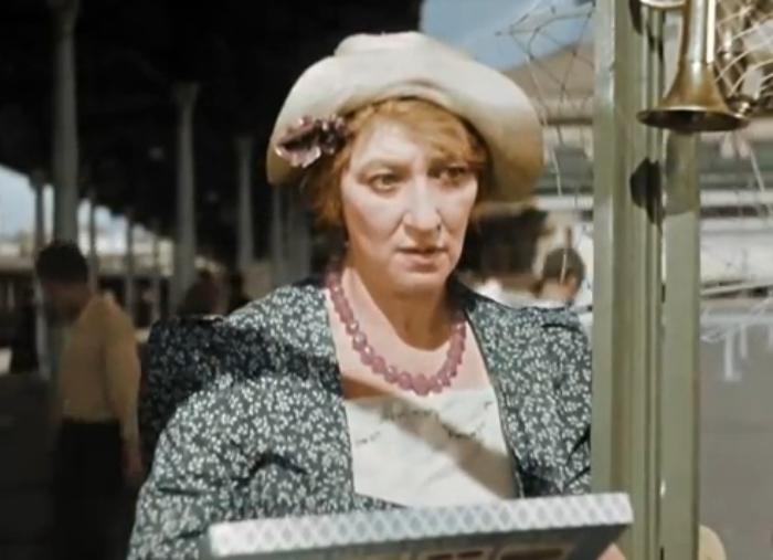 Кадр из цветной версии кинофильма *Подкидыш*, 1939 г.
