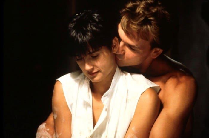 Патрик Суэйзи и Деми Мур в фильме *Призрак* (*Привидение*), 1990 | Фото: kino-teatr.ru