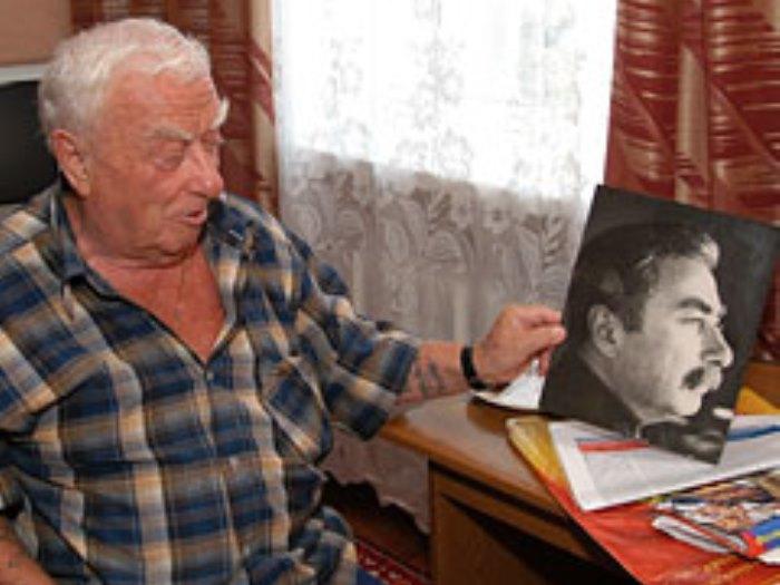 Один из двойников Сталина Феликс Дадаев | Фото: dddkursk.ru