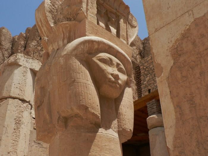 Колонна из храма Хатшепсут | Фото: maxpark.com