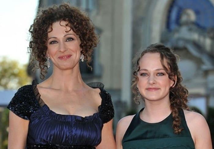 Ксения Раппопорт и ее дочь Аглая Тарасова | Фото: dailyshow.ru