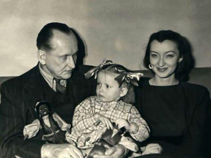 Александр и Лидия Вертинские с дочерью Марианной | Фото: liveinternet.ru