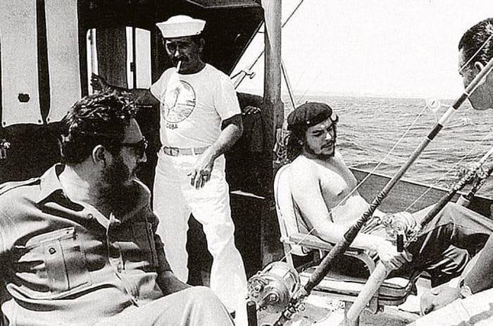 Фидель Кастро и Че Гевара на рыбалке | Фото: kp.ru