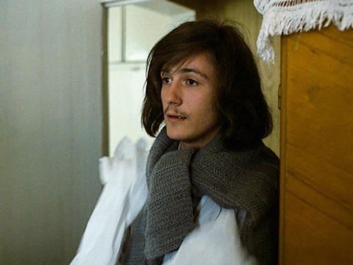Одну из своих первых ролей в этом фильме сыграл Олег Меньшиков | Фото: kino-teatr.ru
