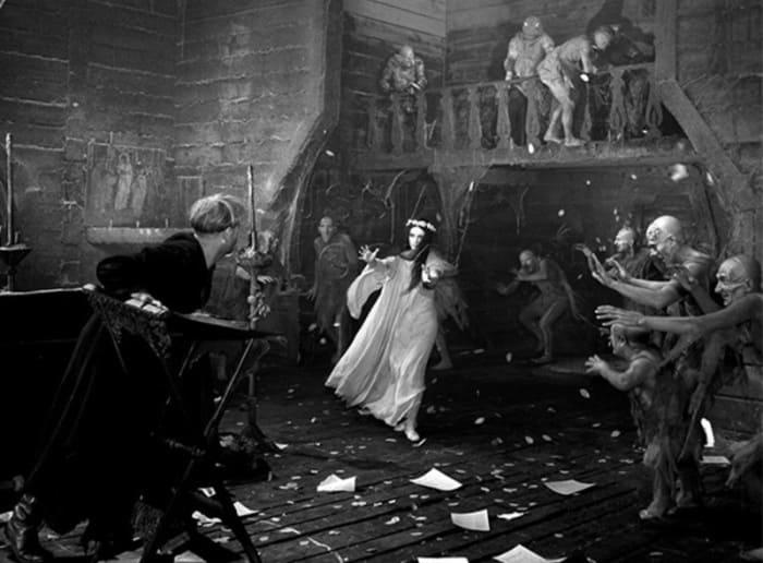 Сцена в церкви в фильме *Вий*, 1967 | Фото: vokrug.tv