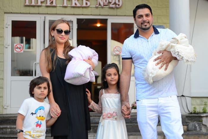 Александр Бердников с женой и детьми | Фото: 24smi.org