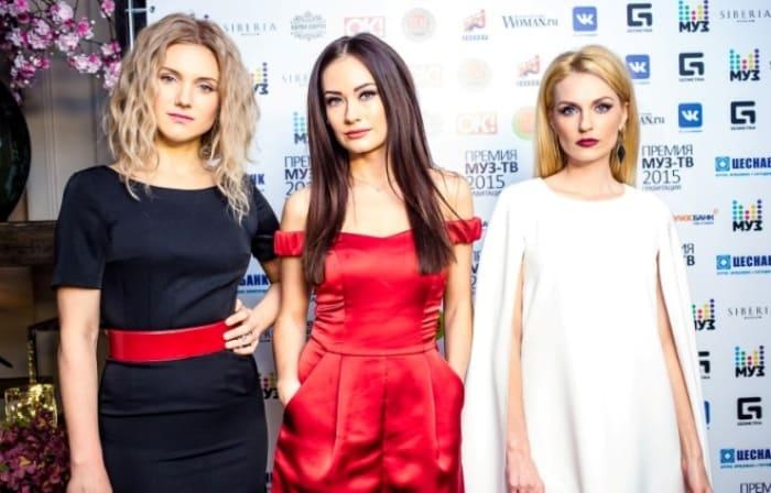 Новый состав группы *Фабрика*: Ирина Тонева, Александра Попова и Саша Савельева