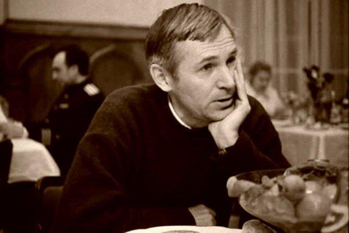 Станислав Любшин в фильме *Пять вечеров*, 1978 | Фото: rg.ru