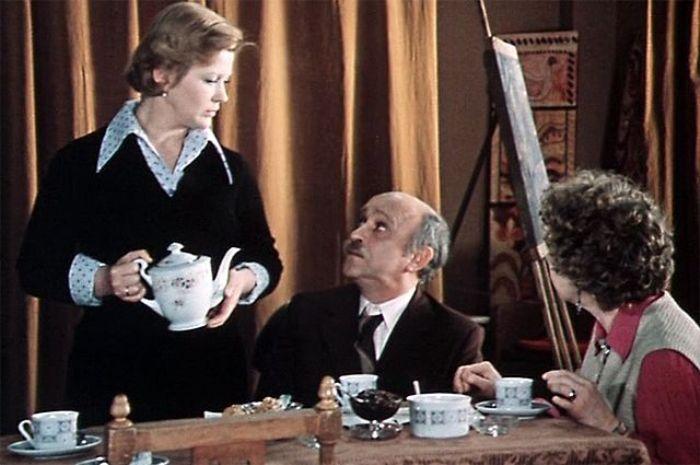 Кадр из фильма *По семейным обстоятельствам*, 1977 | Фото: aif.ru