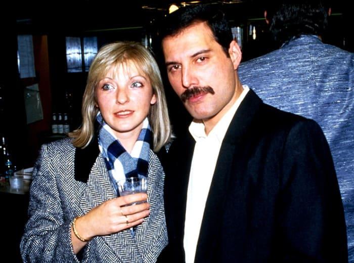 Мэри Остин и Фредди Меркьюри | Фото: cosmo.ru