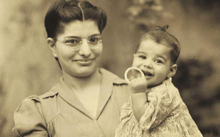 Фаррух с матерью | Фото: soyuz.ru