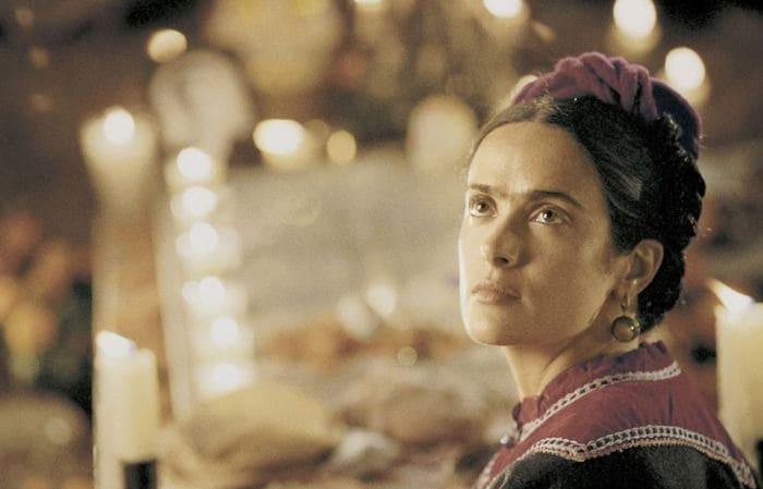 Сальма Хайек в роли Фриды, 2002 | Фото: kino-teatr.ru