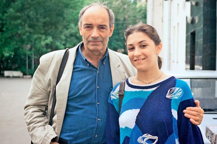 Актер с дочерью Ольгой   Фото: games-of-thrones.ru