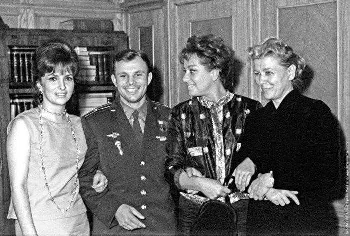 Джина Лоллобриджида, Юрий Гагарин, Мариса Мерлини, Екатерина Фурцева