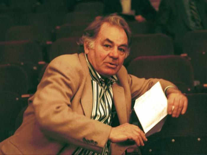 Первый муж актрисы, режиссер Эмиль Лотяну | Фото: sobesednik.ru
