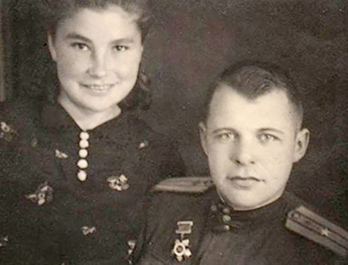 Актриса с первым мужем, Иваном Макаровым | Фото: sb.by