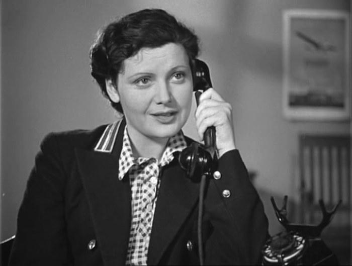 Кадр из фильма *Будни*, 1940 | Фото: kino-teatr.ru