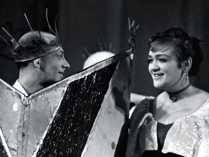 Евгений Евстигнеев и Галина Волчек в спектакле *Голый король*, 1960-е гг.   Фото: tele.ru