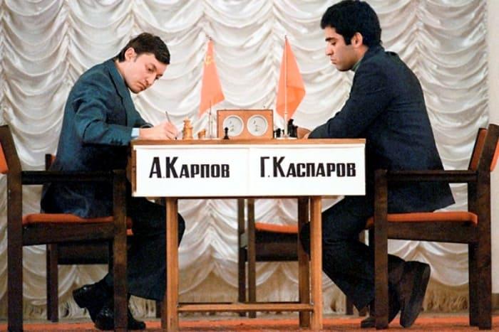 Анатолий Карпов и Гарри Каспаров | Фото: fakty.ua