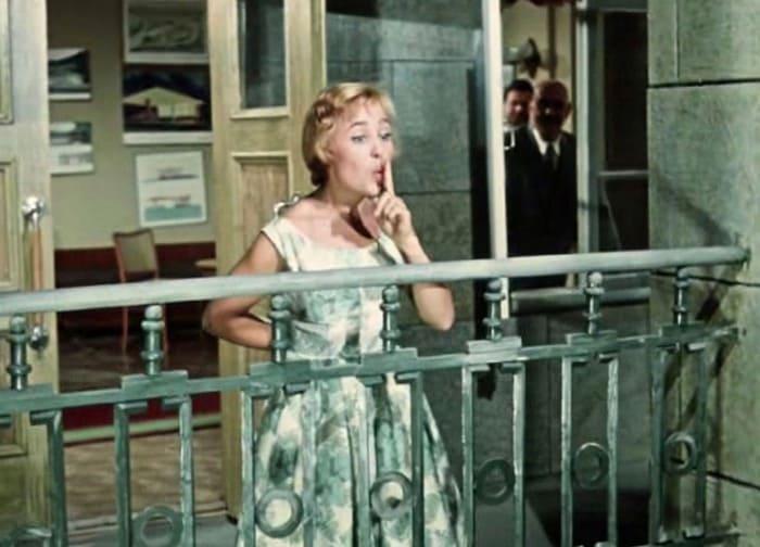 Надежда Румянцева в фильме *Королева бензоколонки*, 1962 | Фото: feellini.ru