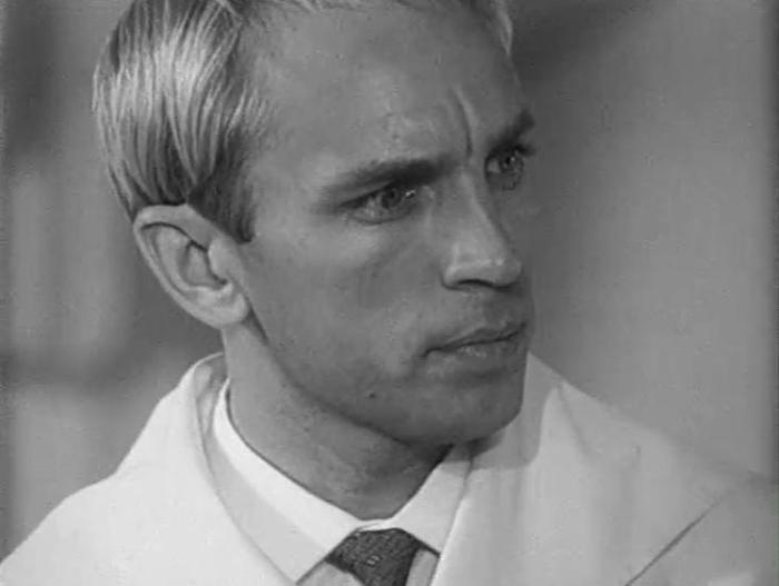 Геннадий Нилов в фильме *Продавец воздуха*, 1967   Фото: kino-teatr.ru