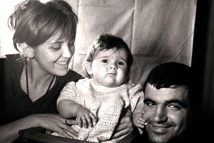 Поэт с женой и дочерью | Фото: 24smi.org