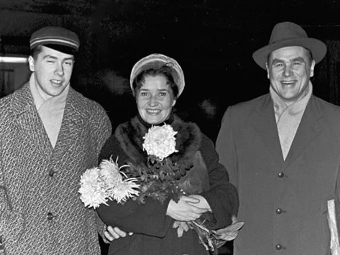 Певец со второй женой Астой Саар и сыном Юло, 1962 | Фото: culture.ru