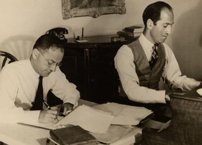 Братья Гершвины в 1937 г. | Фото: jazzpeople.ru