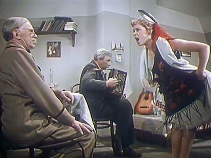 Кадр из фильма *Девушка без адреса*, 1957 | Фото: tvc.ru