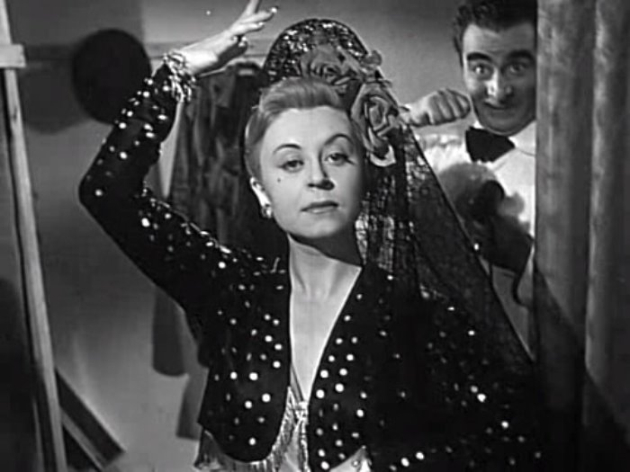 Кадр из фильма *Огни варьете*, 1950 | Фото: kino-teatr.ru