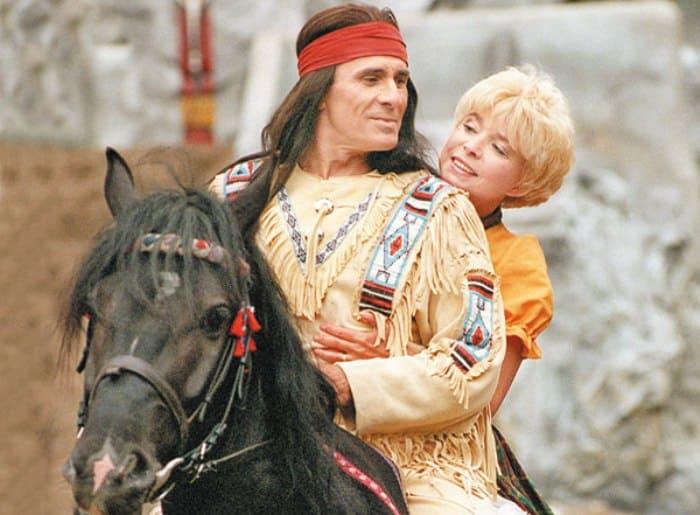 Гойко Митич выступает в роли Виннету на фестивале Карла Мая в Бад-Зегеберге, 15 июня 1995 | Фото: tele.ru