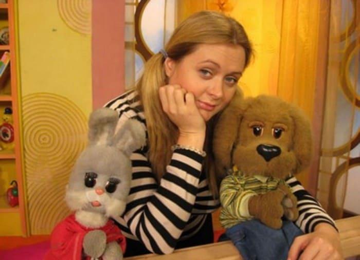 Анна Михалкова в роли ведущей *Спокойной ночи, малыши!* | Фото: dubikvit.livejournal.com