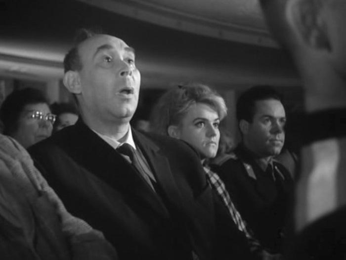 Готлиб Ронинсон в фильме *Берегись автомобиля*, 1966 | Фото: kino-teatr.ru