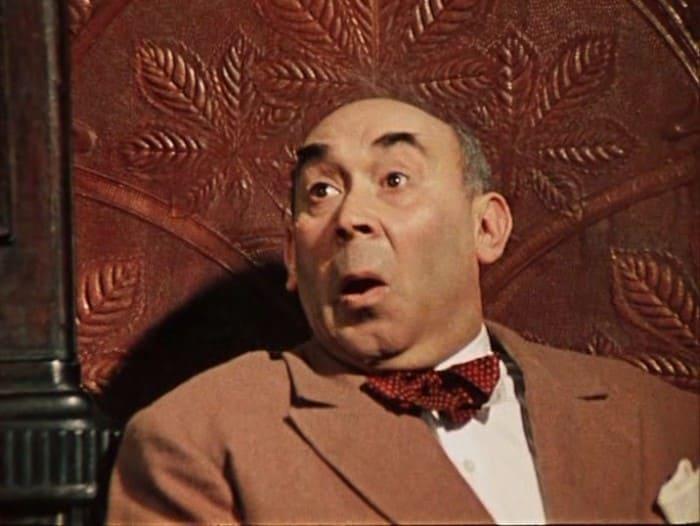 Готлиб Ронинсон в фильме *12 стульев*, 1971 | Фото: kino-teatr.ru