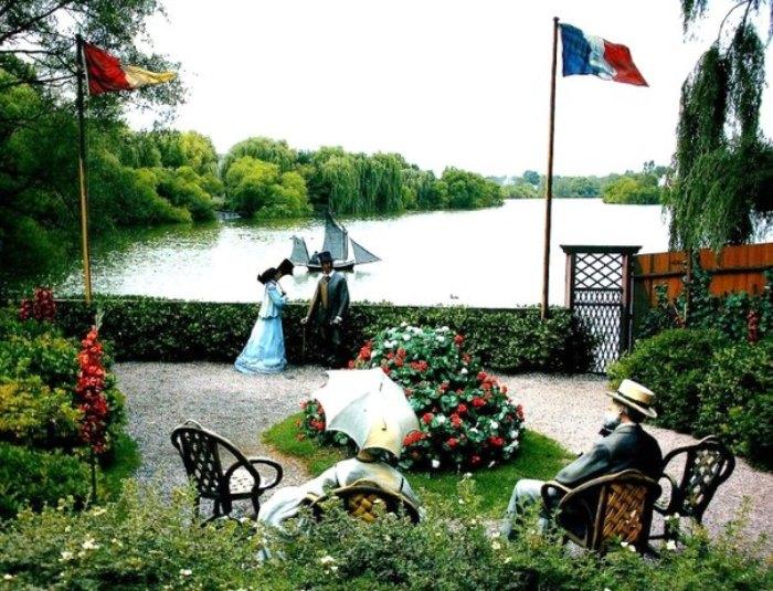 Парк скульптур. Композиция по мотивам картины Моне