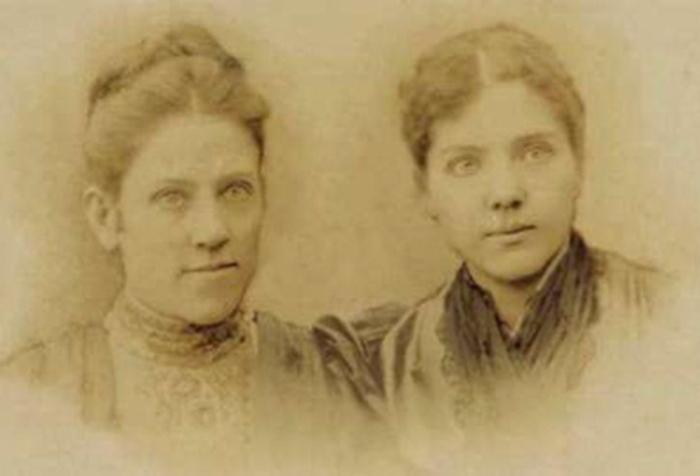 Сестры Милдред Джейн и Патти Смит Хилл   Фото: lpgenerator.ru