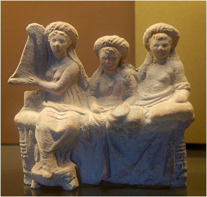 http://www.kulturologia.ru/files/u19001/Hetaira-7.jpg