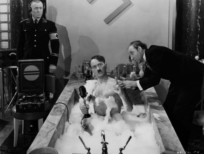 Бобби Уотсон в роли Гитлера   Фото: fishki.net