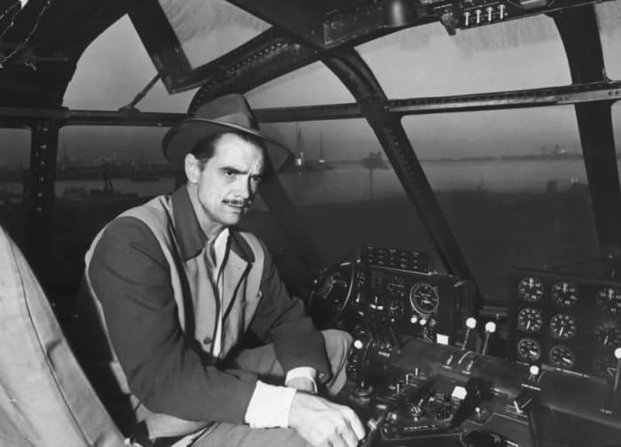 Самой большой страстью миллиардера были самолеты | Фото: cameralabs.org
