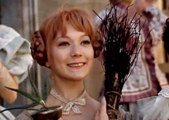 Елена Коренева в фильме *Сватовство гусара*, 1979 | Фото: kino-teatr.ru