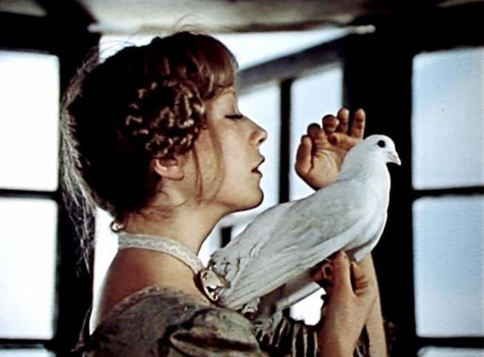 Елена Коренева в фильме *Сватовство гусара*, 1979 | Фото: vokrug.tv