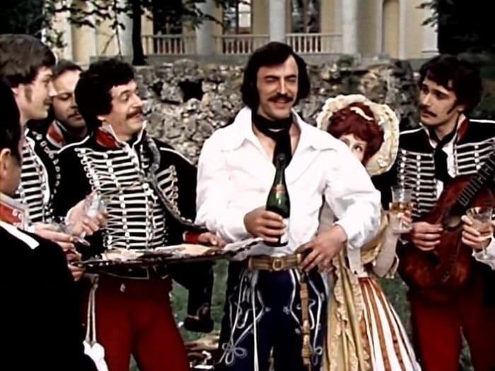 Кадр из фильма *Сватовство гусара*, 1979 | Фото: vokrug.tv