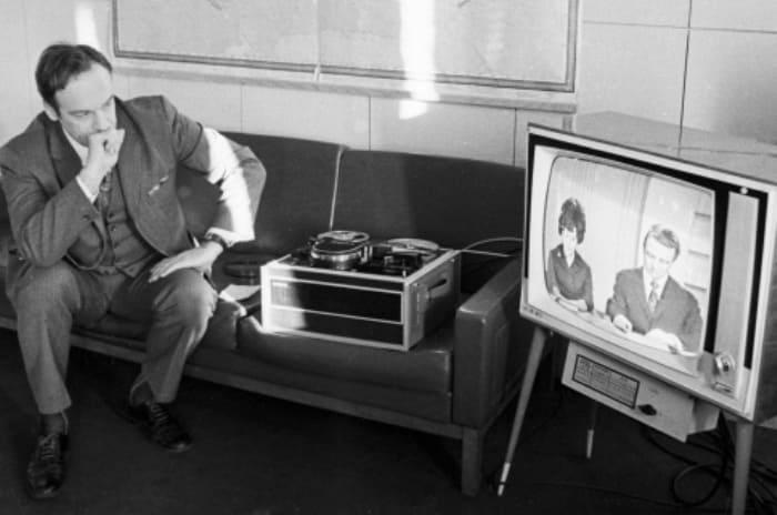 Знаменитый ведущий программы *Время*, 1973 | Фото: sputnik.by