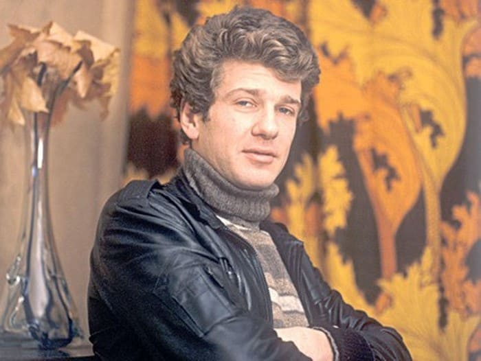 Актер, которого зрители привыкли видеть в амплуа героя-любовника   Фото: tvc.ru